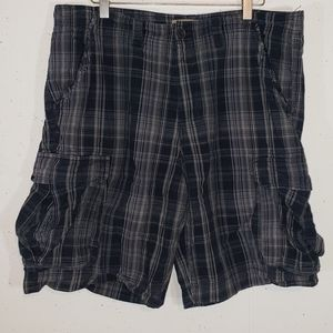 Sonoma 36 blue/gray plaid cargo shorts